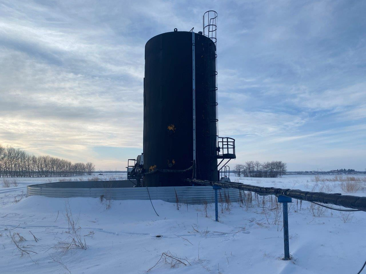 2001 storagetank - 1000 bbl. insulated and heated
