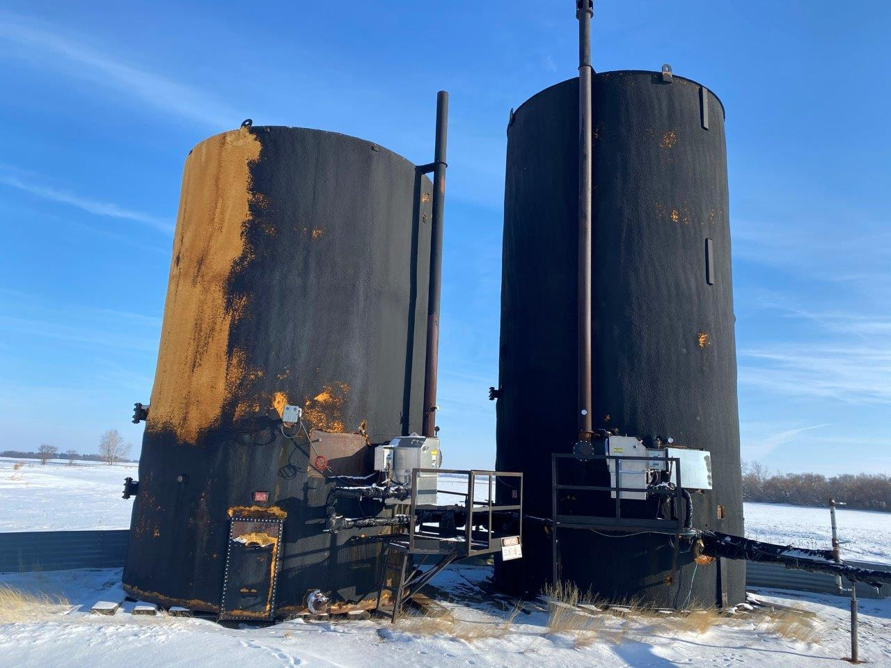 2001 storage tank - 1000 bbl - insulated and heated